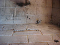 Cracks in refractory panels inside a prefab fireplace